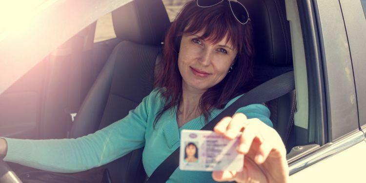 """Susisiekimo ministerija primena: praradę """"teises"""" dėl alkoholio, dabar lengviau susigrąžins vairuotojo pažymėjimą"""
