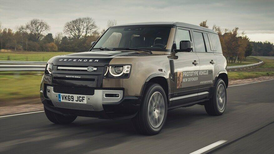 """Naujasis """"Land Rover Defender"""" jau tapo legenda - kuo jis toks ypatingas?"""