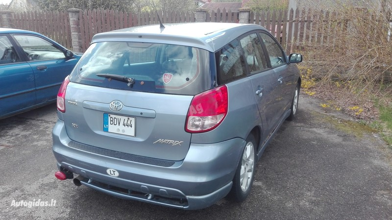 Toyota Matrix 2004 г. запчясти