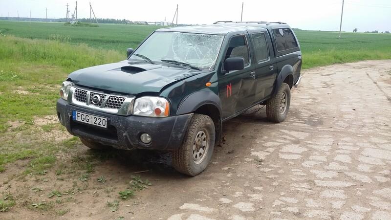 Nissan Navara 2003 г запчясти