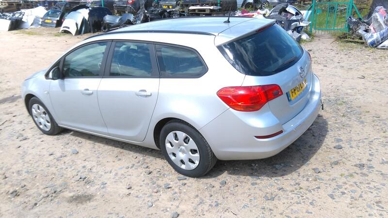 Opel Astra III 2011 y. parts