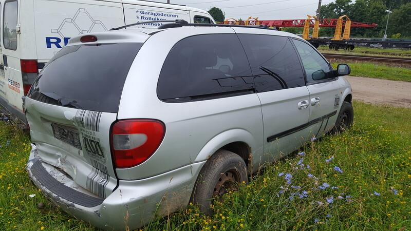 Dodge Grand Caravan 2006 г. запчясти