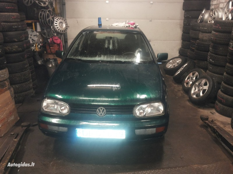 Volkswagen Golf III Benzinas ir dyzelis 1996 m dalys