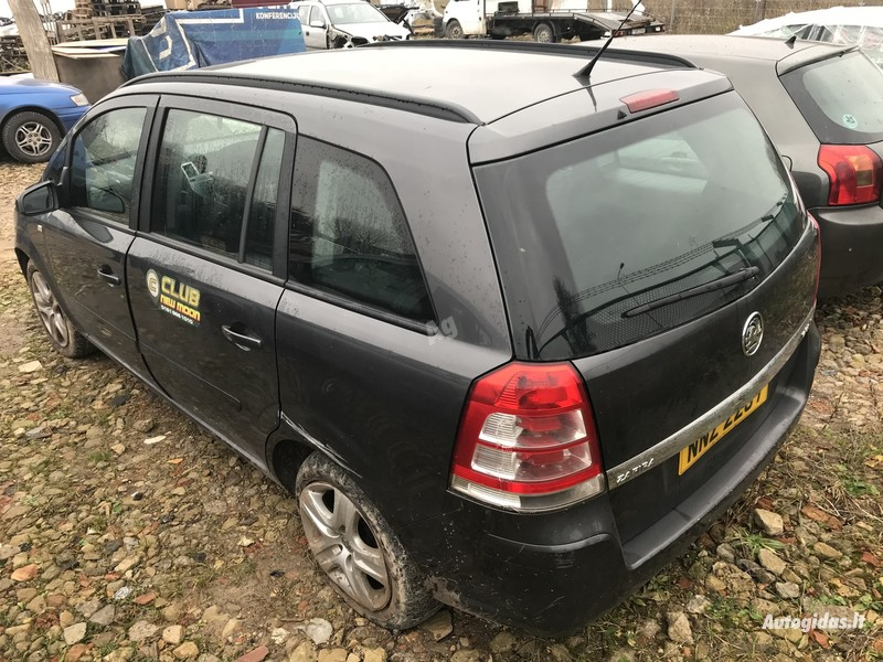 Opel Zafira B 2010 y. parts