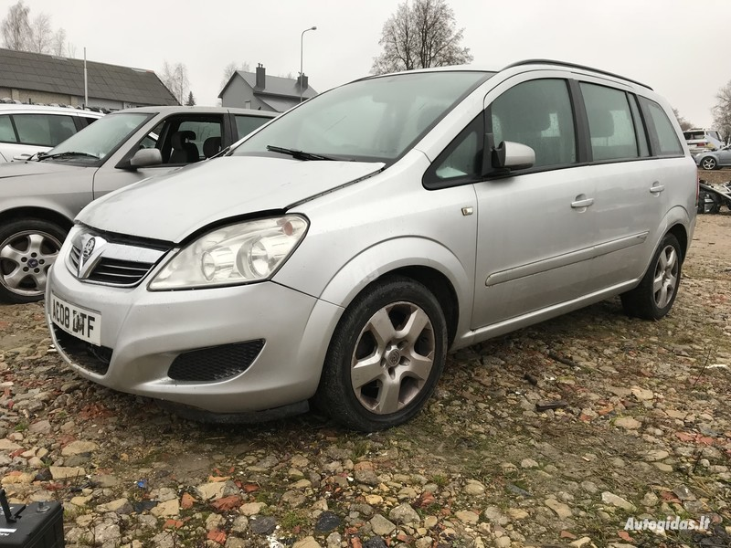 Opel Zafira B 2009 y. parts