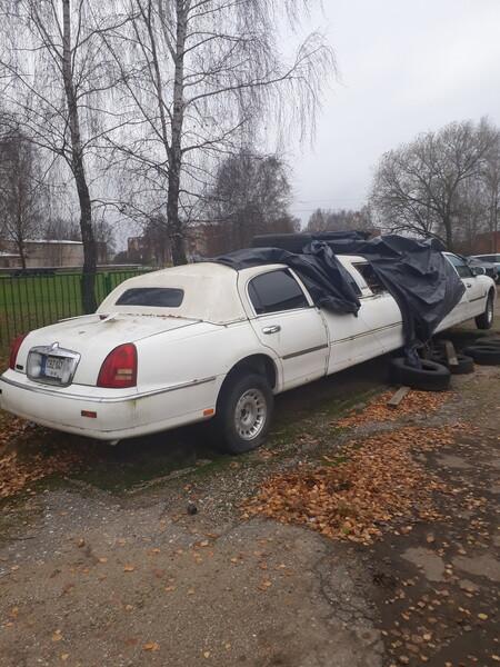 Lincoln Town Car 2000 y. parts