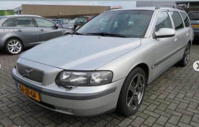 Volvo V70 II 2003 m. dalys