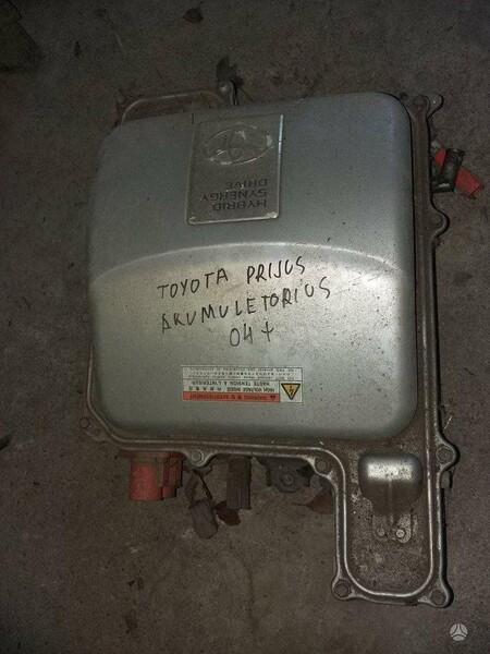 Toyota Prius 2006 y. parts