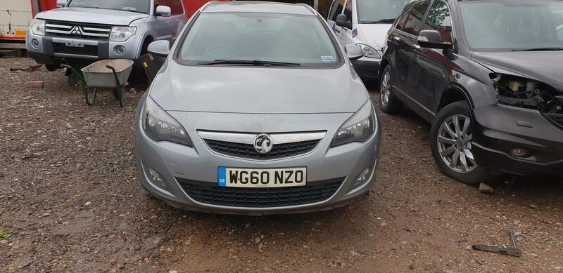 Opel Astra III 2010 m. dalys