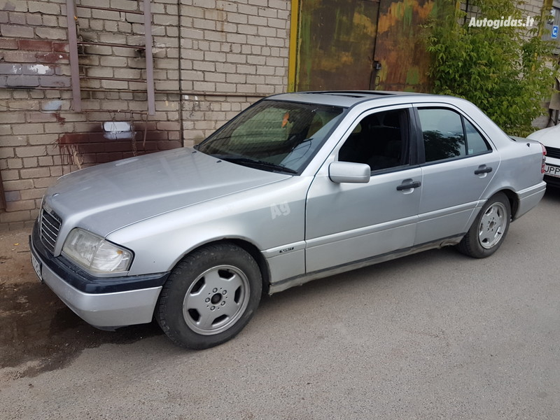 Mercedes-Benz C 220 W202 2.2 DYZELIS 70 KW  1995 m dalys
