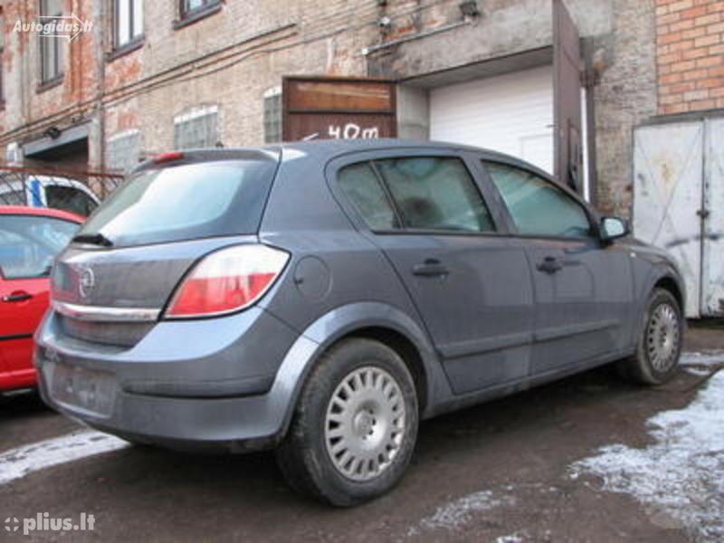 Opel Astra 2005 m dalys