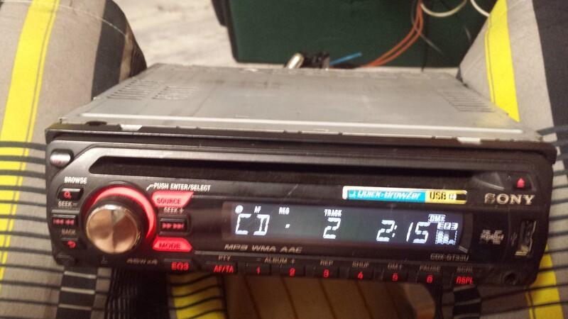 CD/MP3 grotuvas  Sony cdx-gt33u