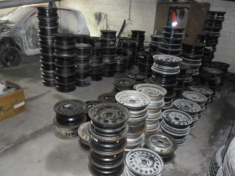 Volkswagen R16 стальные штампованные  диски