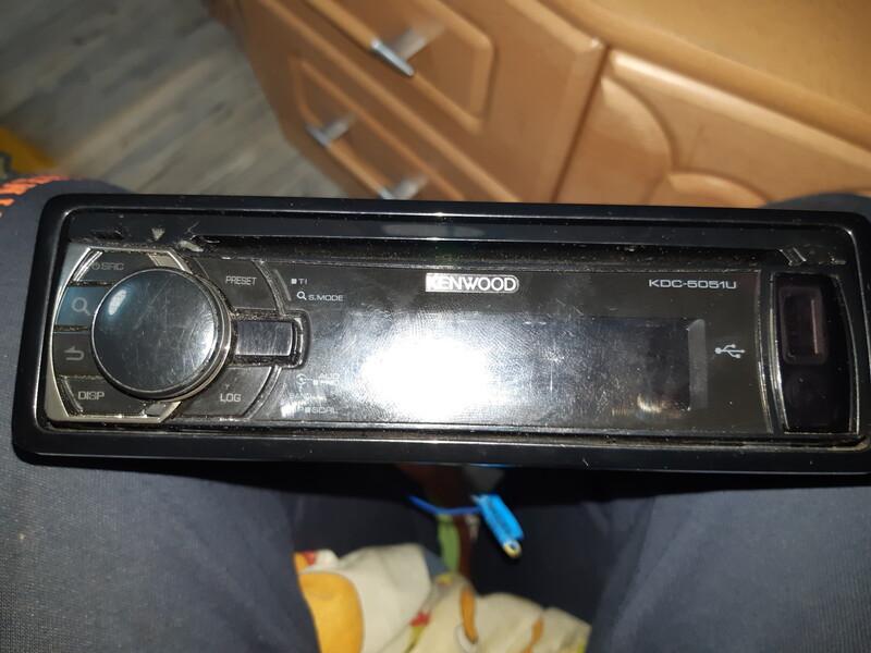 CD/MP3 player  Kenwood Kdc-5051u