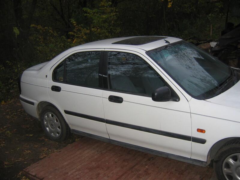 Rover 400 1999 m dalys