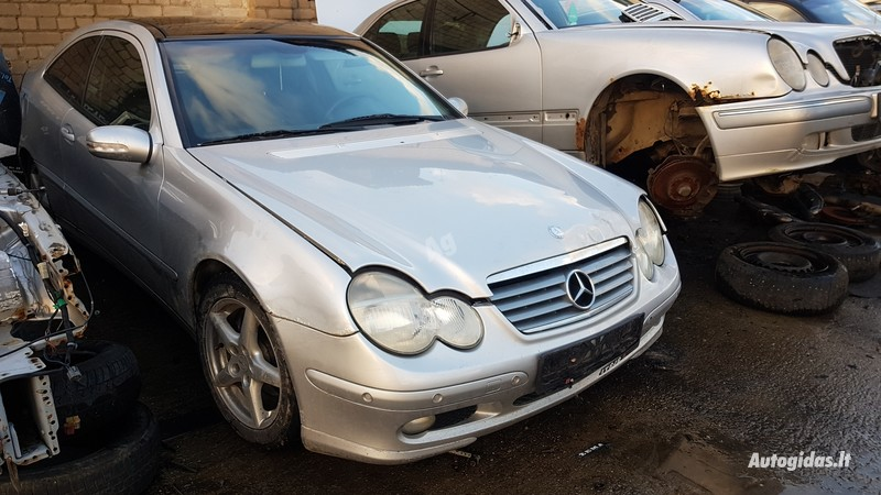 Mercedes-Benz C 220 2001 m dalys