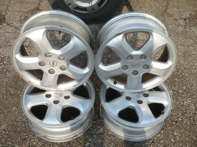 Opel Vivaro R16 lengvojo lydinio  ratlankiai
