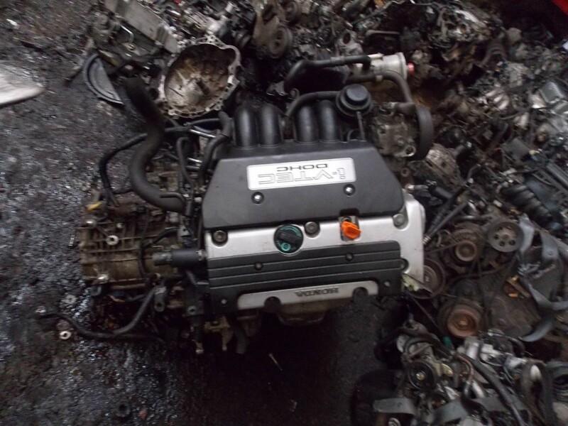 Honda Cr-V II 2002 m dalys
