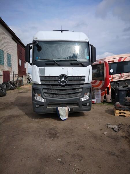 Vilkikas  Mercedes-Benz Actros  2013 m dalys