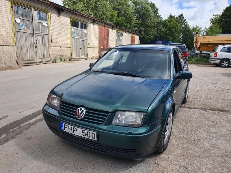 Volkswagen Bora 1.9 DYZELIS 81 KW 1999 m dalys