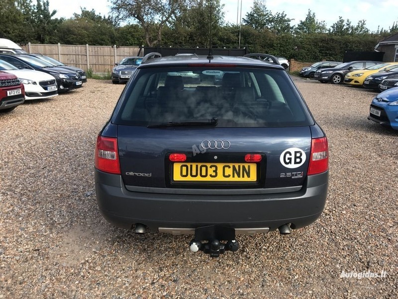 Audi A6 Allroad C5 2001 m dalys