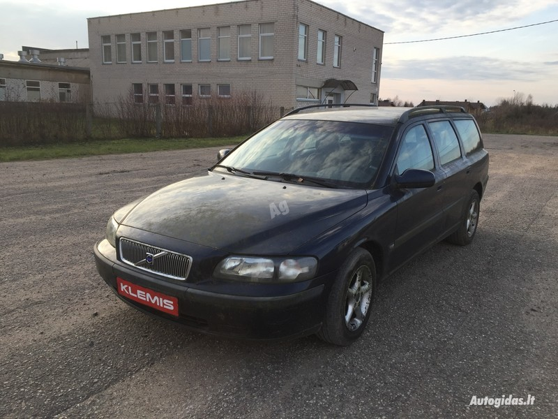 Volvo V70 II 2002 m dalys