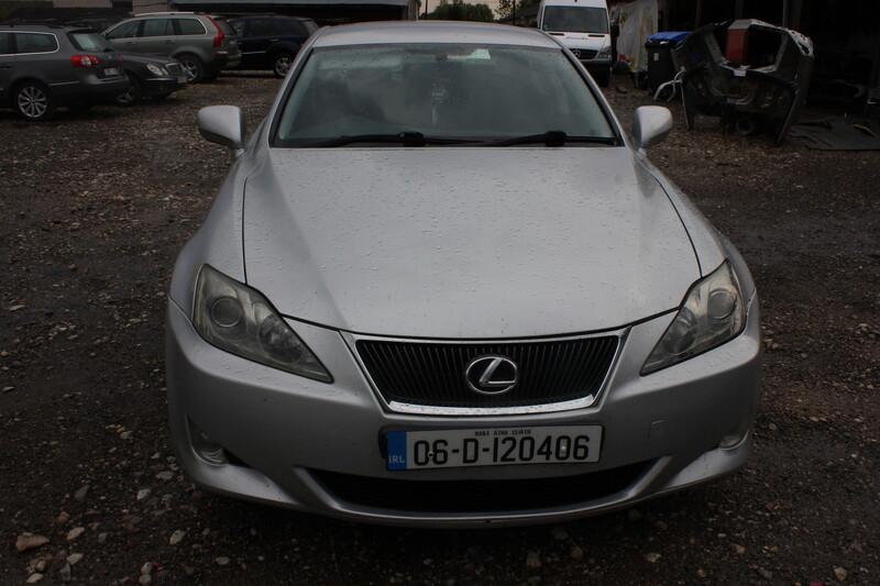 Lexus Is 220 2007 m dalys