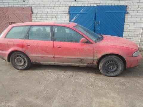 Audi A4 1998 m dalys