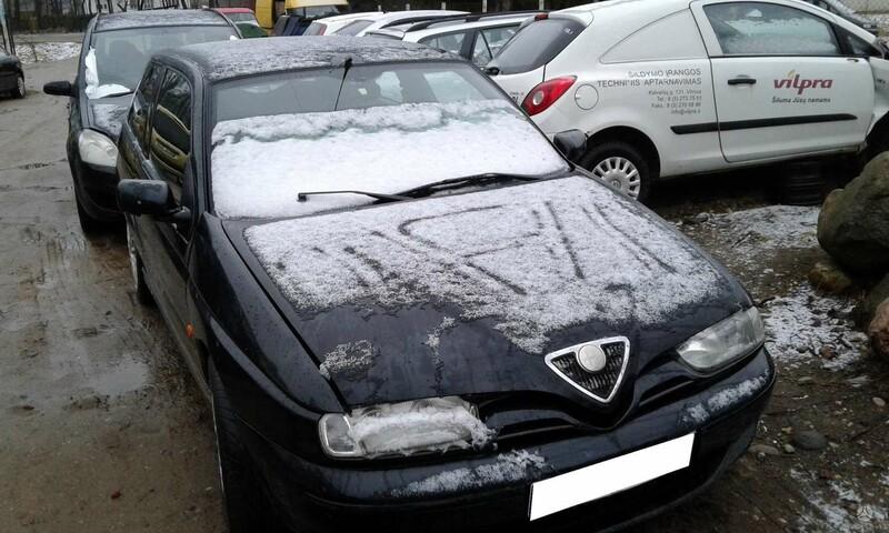 Alfa Romeo 145 2000 m dalys