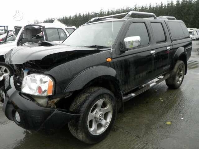 Nissan Navara 2004 m dalys