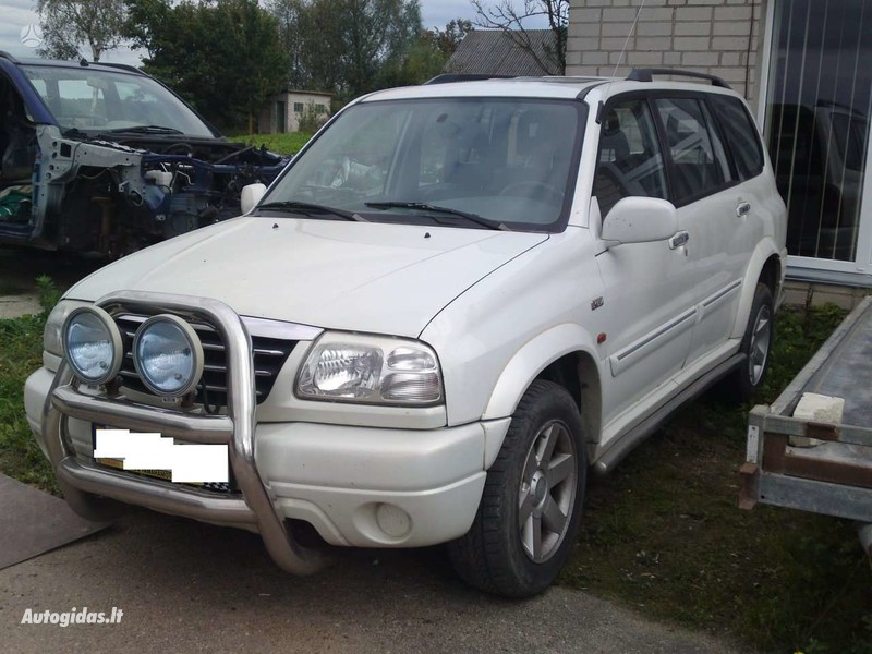 Suzuki Xl7 2003 m dalys