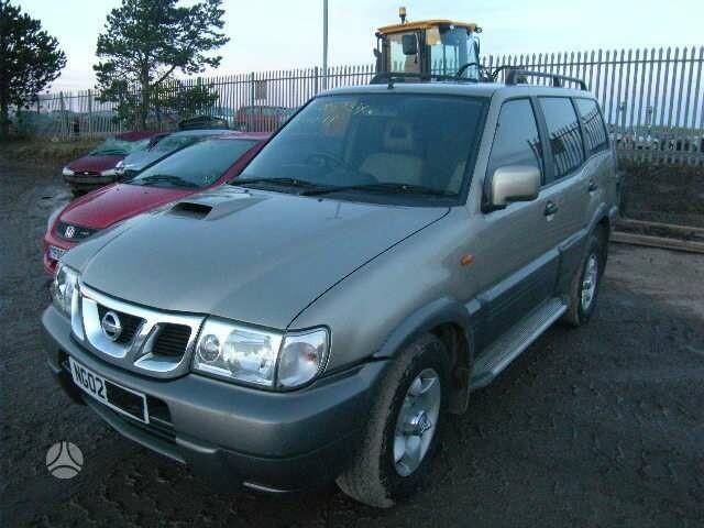 Nissan Terrano 2002 m dalys