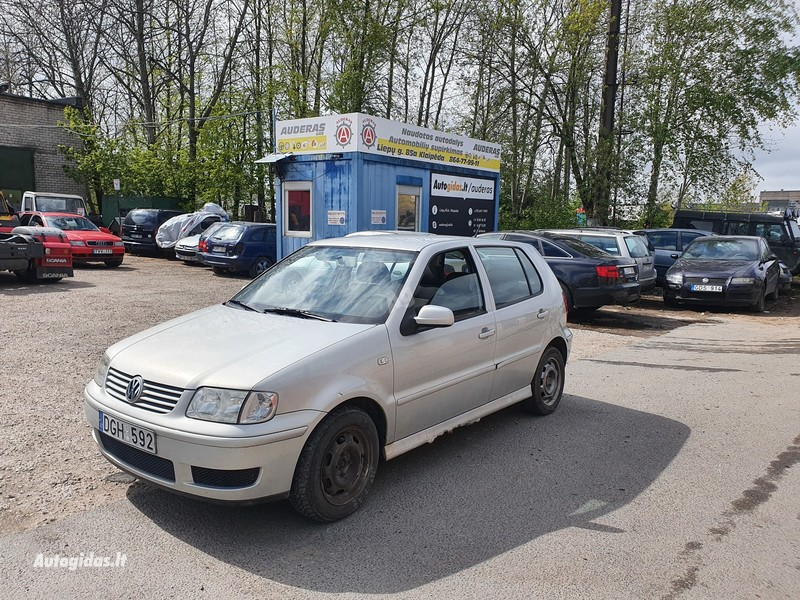 Volkswagen Polo IV 1.4 BENZINAS 55 KW 2001 m dalys