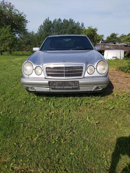 Mercedes-Benz E 220 W210 1998 m dalys
