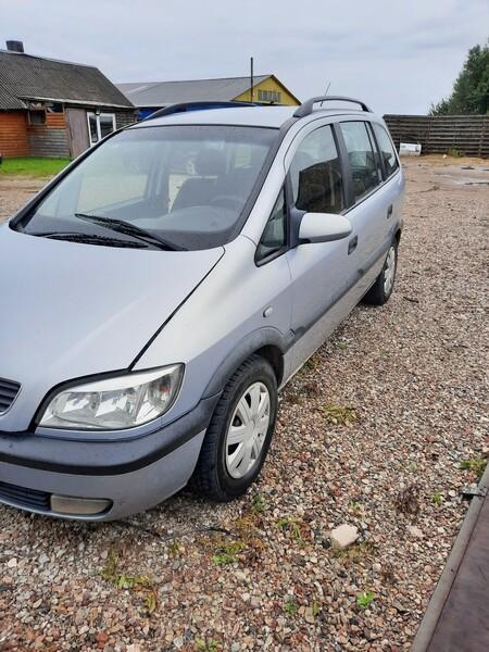 Opel Zafira 2001 m dalys