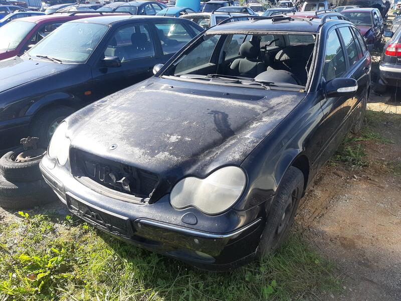 Mercedes-Benz C 220 2002 m dalys