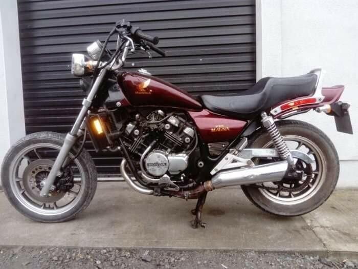 Čioperis / Cruiser / Custom  Honda VF 1985 m dalys