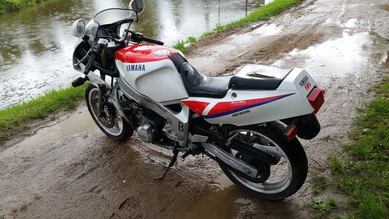 Sportinis / Superbike  Yamaha FZR 1992 m dalys