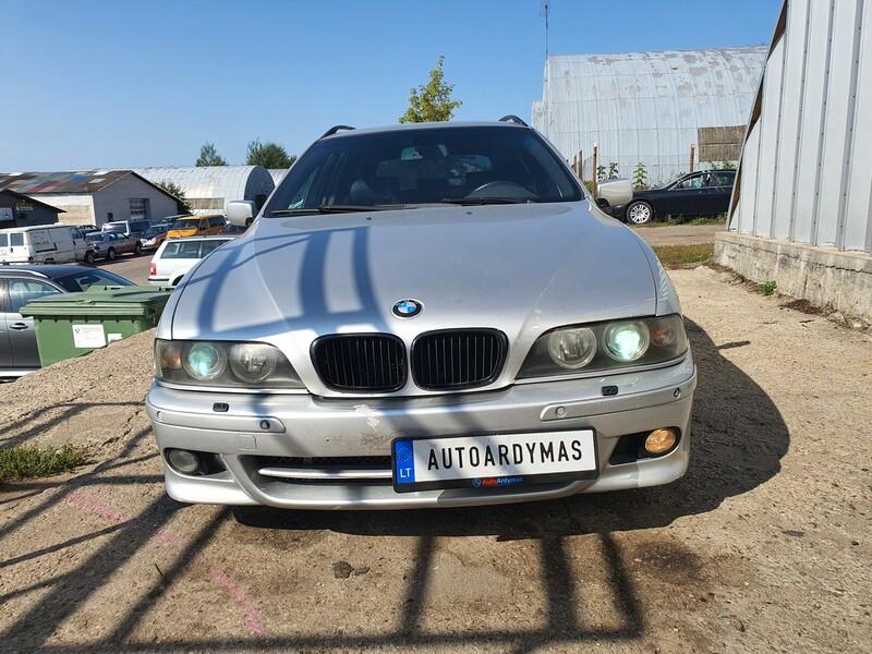 Bmw 530 2001 m dalys