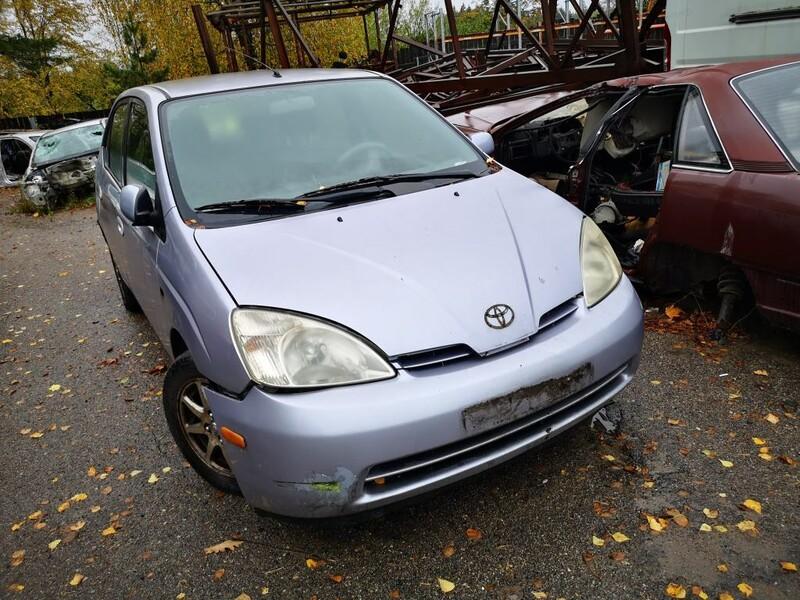 Toyota Prius I (1997 - 2000) 2001 m dalys