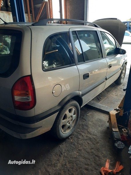 Opel Zafira 2003 y parts