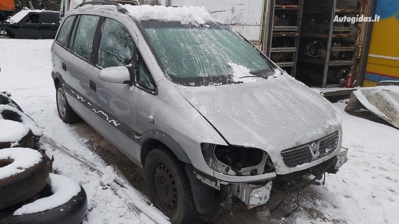 Opel Zafira 2002 m dalys