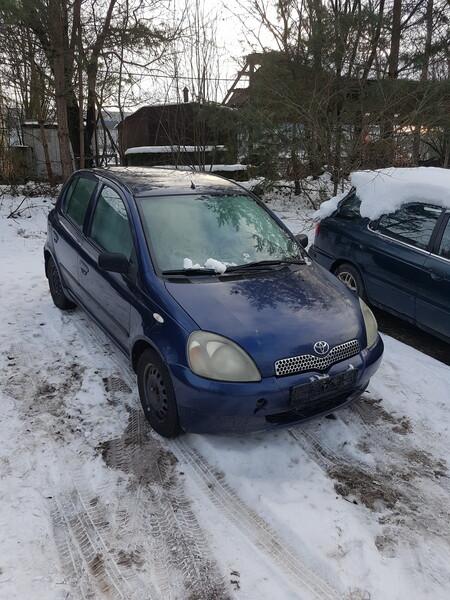 Toyota Yaris 2001 г запчясти