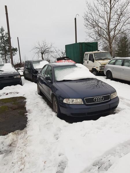 Audi A4 B5 1996 m dalys