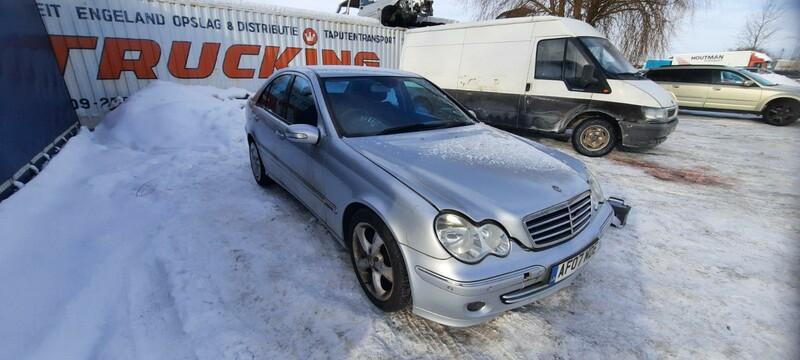 Mercedes-Benz C Klasė 2007 m dalys