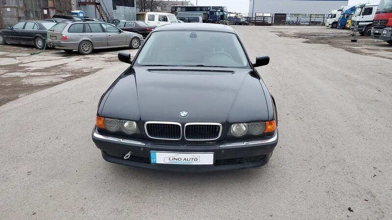 Bmw 740 E38 1999 m dalys