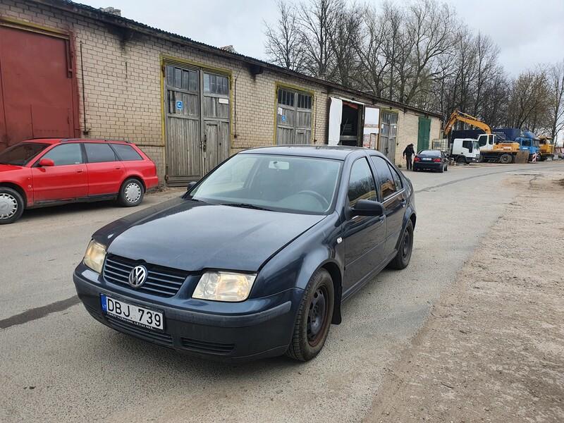 Volkswagen Bora 1.4 BENZINAS 55 KW 1999 m dalys