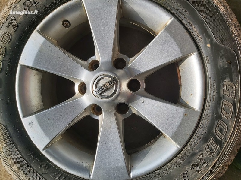 Nissan Terrano R17 lengvojo lydinio  ratlankiai
