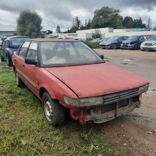 Toyota Corolla 1989 m dalys