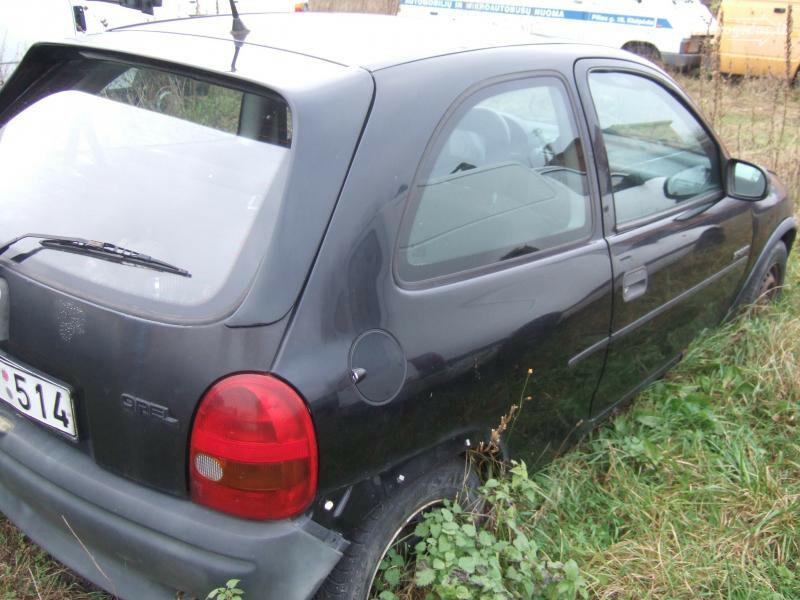 Opel Corsa 1996 m dalys